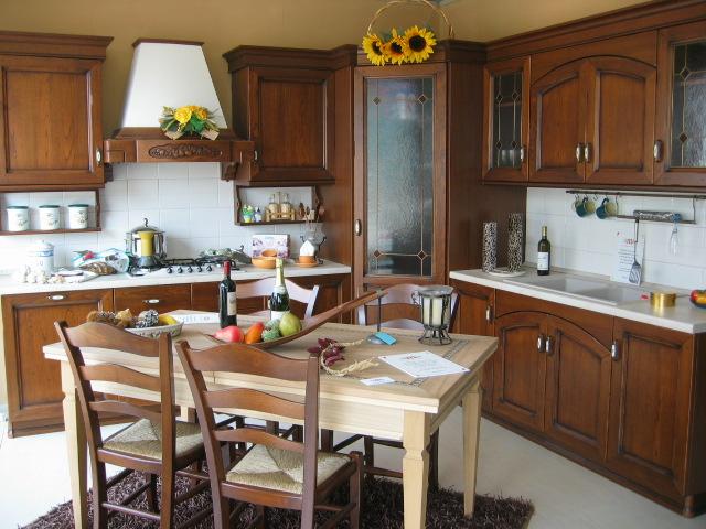 Cucina sveva angolare, in castagno ---- camia mobilificio mobilifici ...